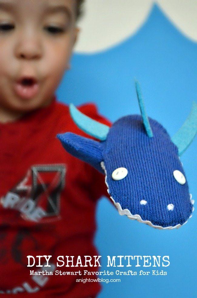 DIY-Shark-Mittens-1