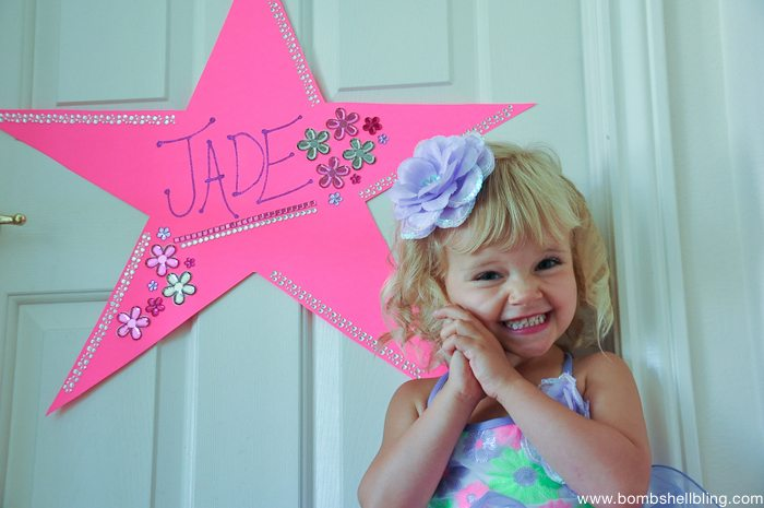 """How to make a """"Dressing Room"""" Star for plays and recitals ---- SUCH a cute familiy tradition!!"""