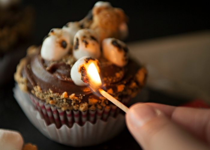 S'mores Cupcakes in Action