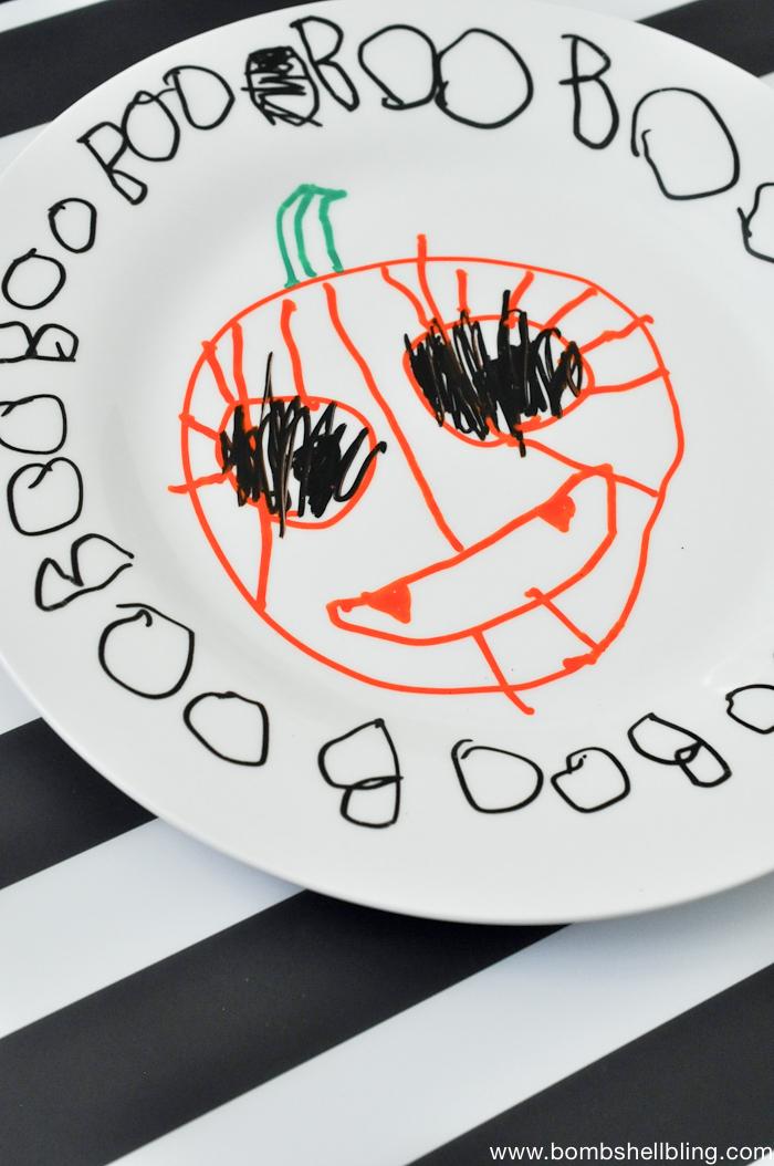 Halloween Paint Pen Plates-4