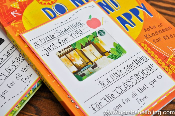 This printable teacher gift card and book gift idea is PERFECT because it is something for the teacher AND something for the classroom!