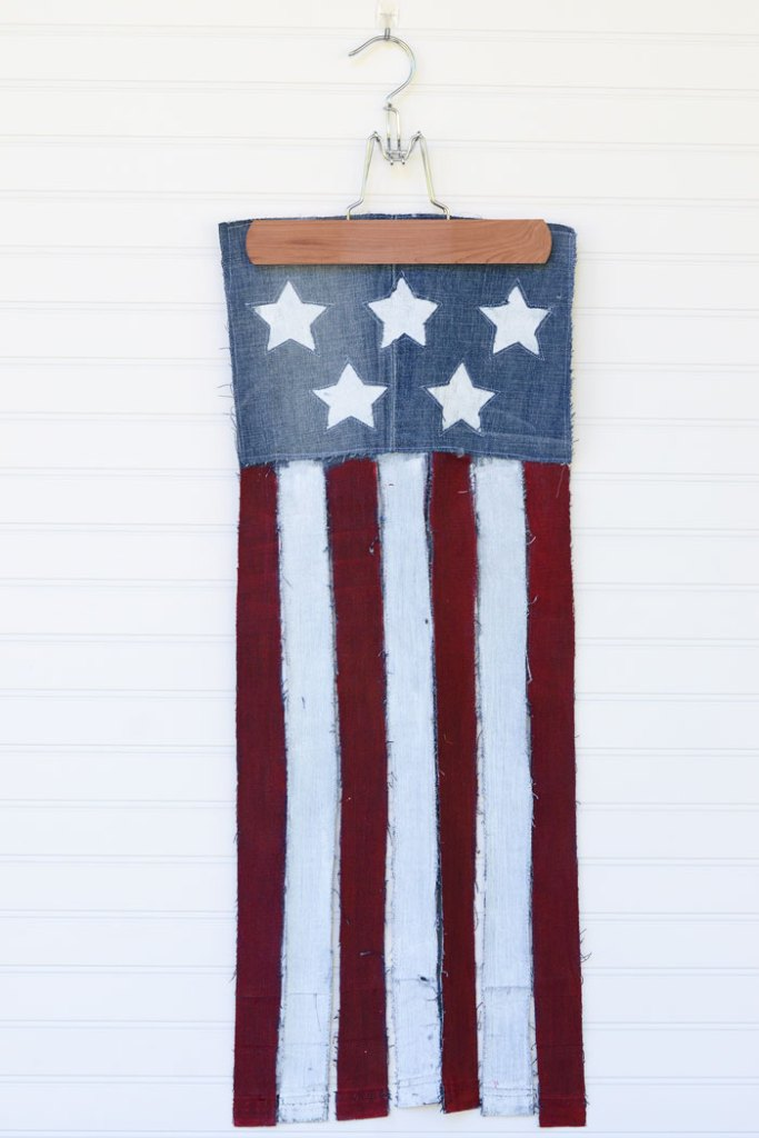 DIY Upcycled Jeans Patriotic Flag Banner