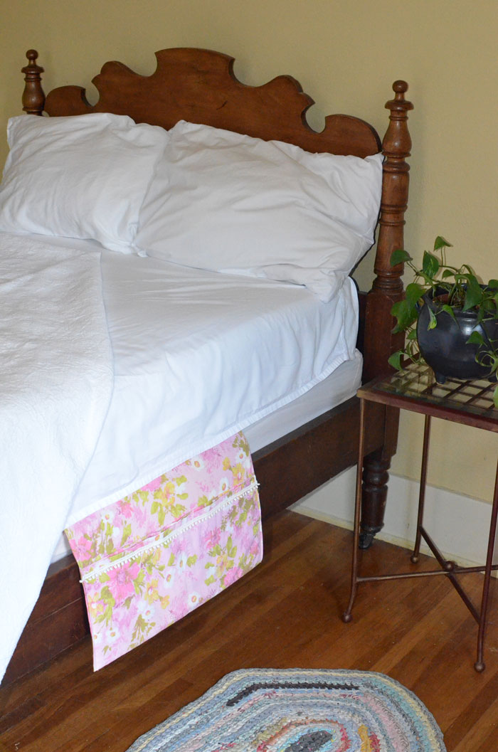 Vintage Pillowcase Bed Caddy Tutorial