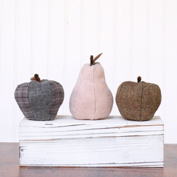 This farmhouse inspired fabric fruit is the perfect decor for your Fall table. Apples and pears that are darling and customizable!