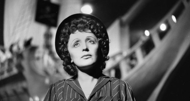 The Little Sparrow: Walk in the Footsteps of Edith Piaf – BonAppetour
