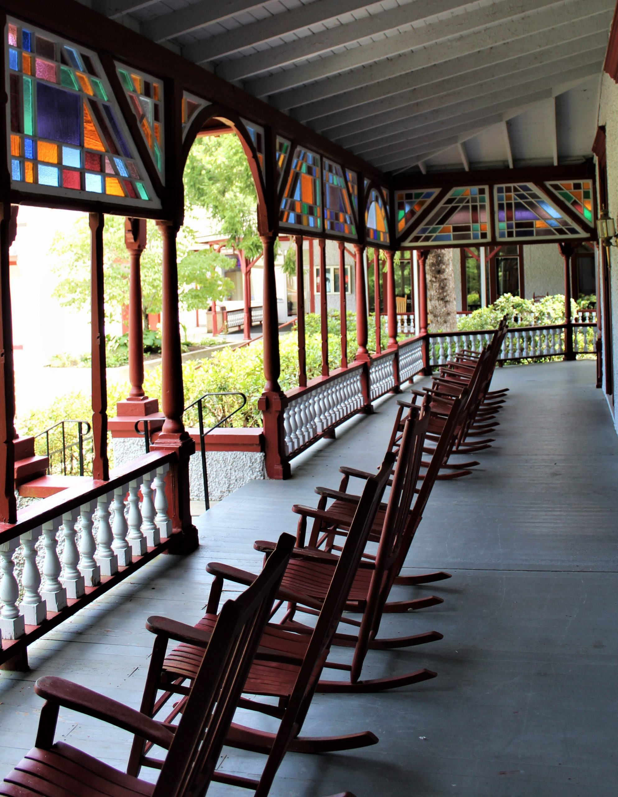 Hotel porch rocking chairs2