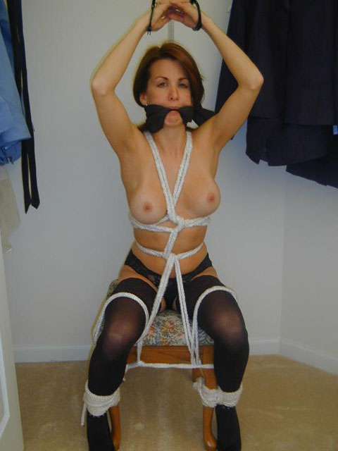 Bedroom Bondage Games with hot Girls next Door