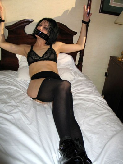 Kinky Girlfriends get hot and wet in Bondage