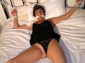 Kinky young Girlfriends love Handcuffs and Rope