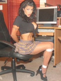 Sexy Secretary got all hot and wet in tight Bondage