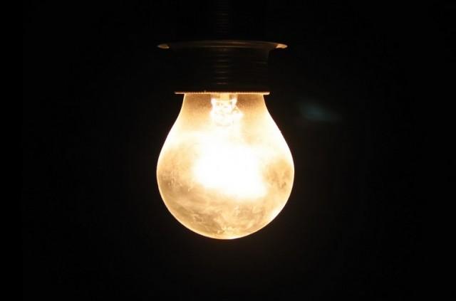 enigme-100_prisonniers-1-ampoule-jeu-640x423