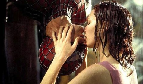 Spiderman-Kiss-famous-kisses-869756_600_401
