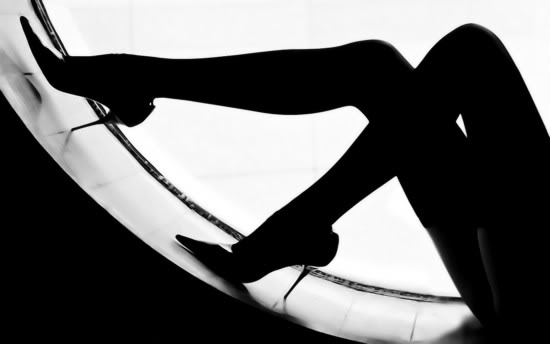 kg-black-and-white-photography-leg-