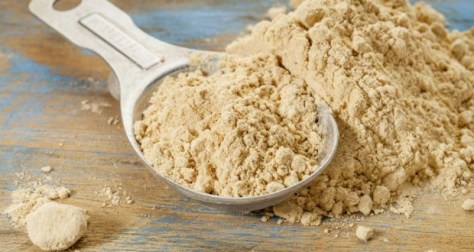 spoon-of-maca-powder-and-loose-powder-620x330