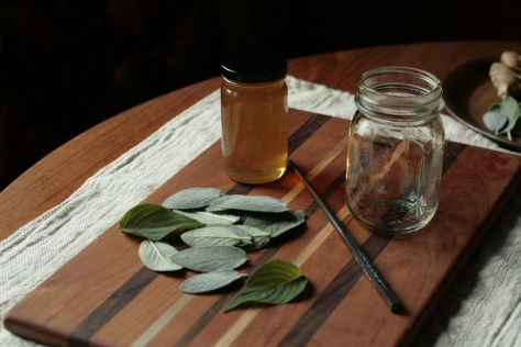 prepping+the+infused+honey