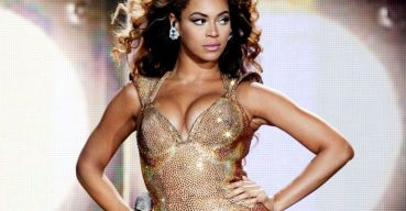 Beyonce on stage looking sassy