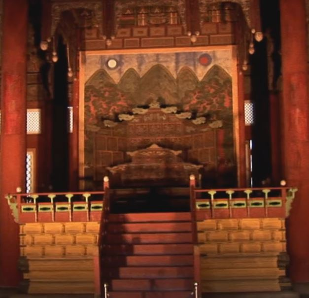 The beautiful Toksu Palace in Korea. 덕수궁. Come and see the video of this great place.