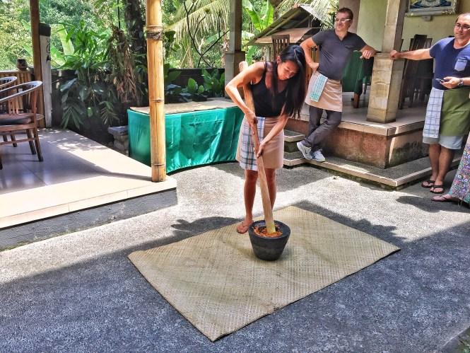 Paon Bali Cooking Class pestle motar