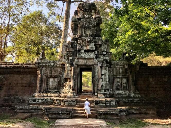 Angkor wat siem reap cambodia entrance