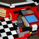 Vue de l'intérieur du combi en construction