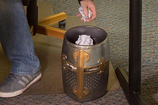 Crusaders Great Helm Trash Can