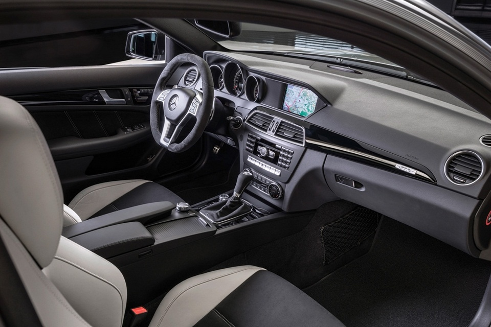 Mercedes-Benz C63 AMG Edition 507 (3)