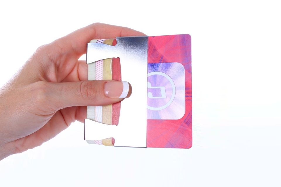 Improv - The Minimalist Wallet With A Stand-Up Routine