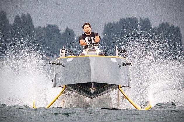 Hydros HY-X Yacht