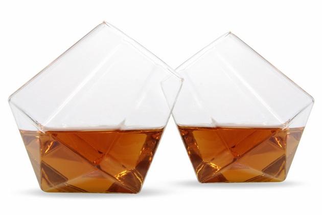 Diamond Glasses Stand at an Angle