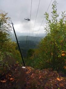 EDF-2Changement-poteaux-EDF-par-helicoptere