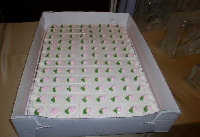 Bonnie Belles Pastrieswedding Cakespink And Green Sheet Cake