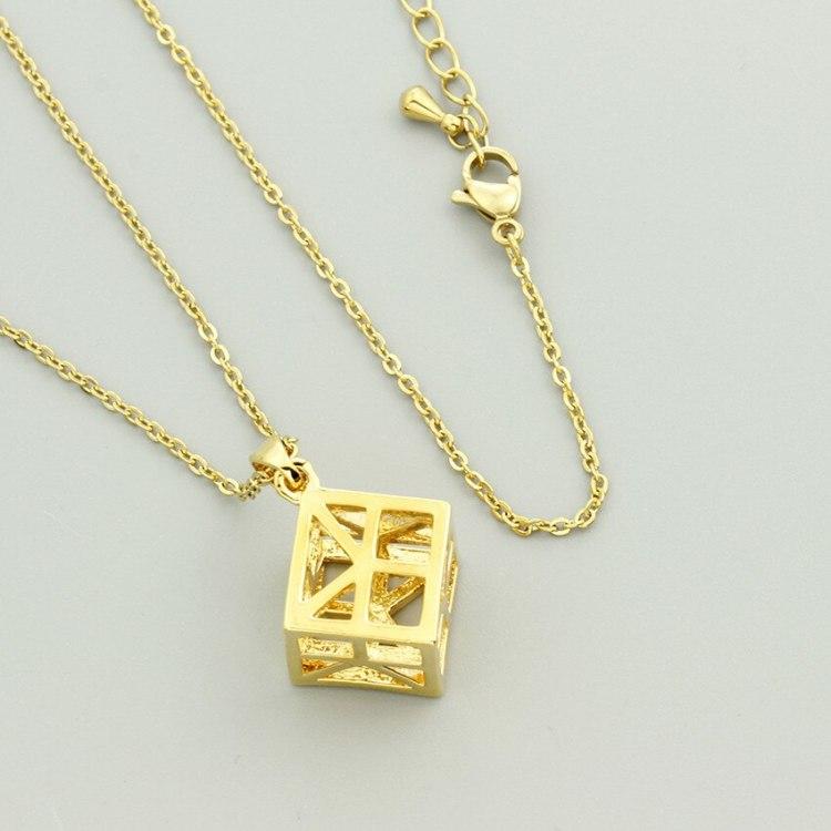 geometric cube necklace 3d géométrique
