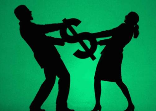 couple fighting over money