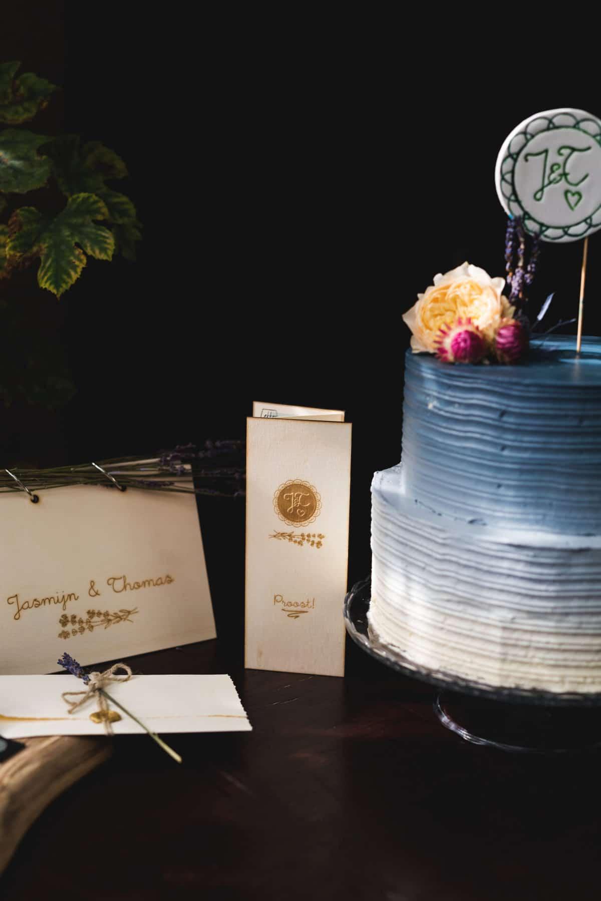 huwelijkshuisstijl trouwkaart houten gastenboek wijnkaart