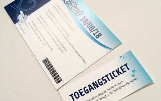 trouwkaart pretparkticket toegangsticket afscheurstrook ticket uitnodiging