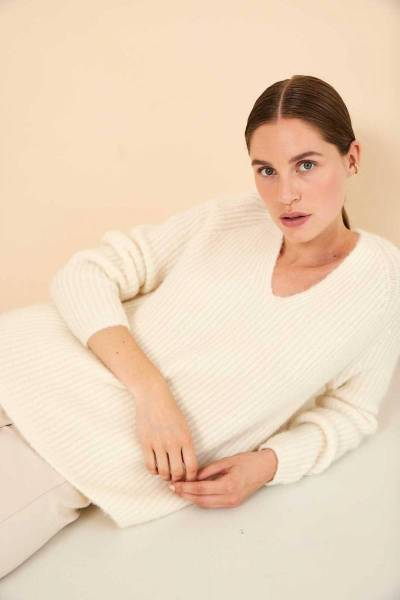 Sara pullover ivory Knit-ted