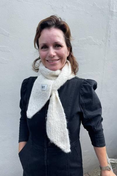 Mini shawl ecru INTI knitwear