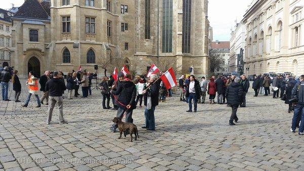 """Nächster Schlager bei #nopdv in Wien: """"Die Hoffnung, die verlier ich nicht"""". Eventuell auf mehr TeilnehmerInnen?"""