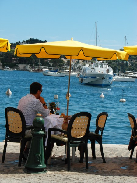 Villefranche sur Mer ~ Idyllic and upscale !