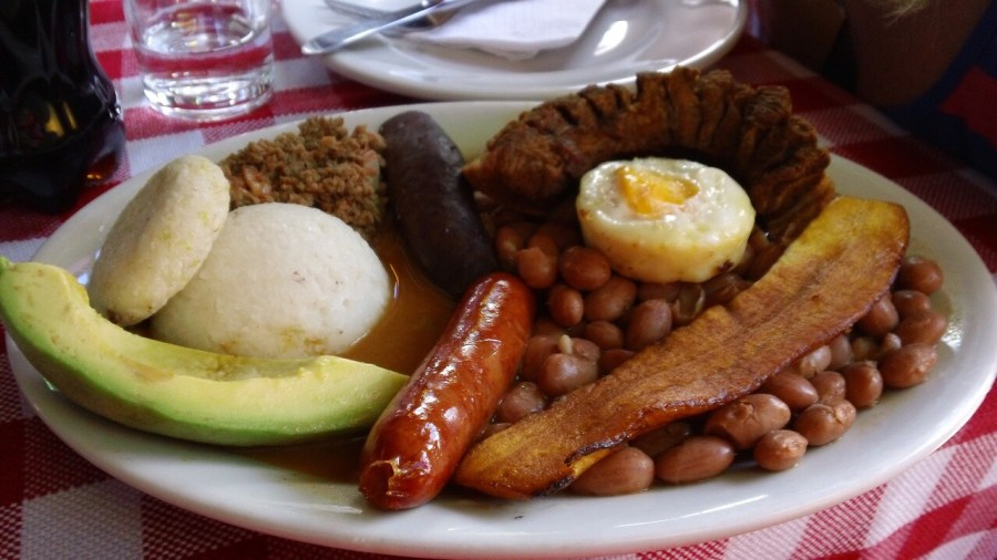 BEST of Colombia food : Bandeja Paisa !