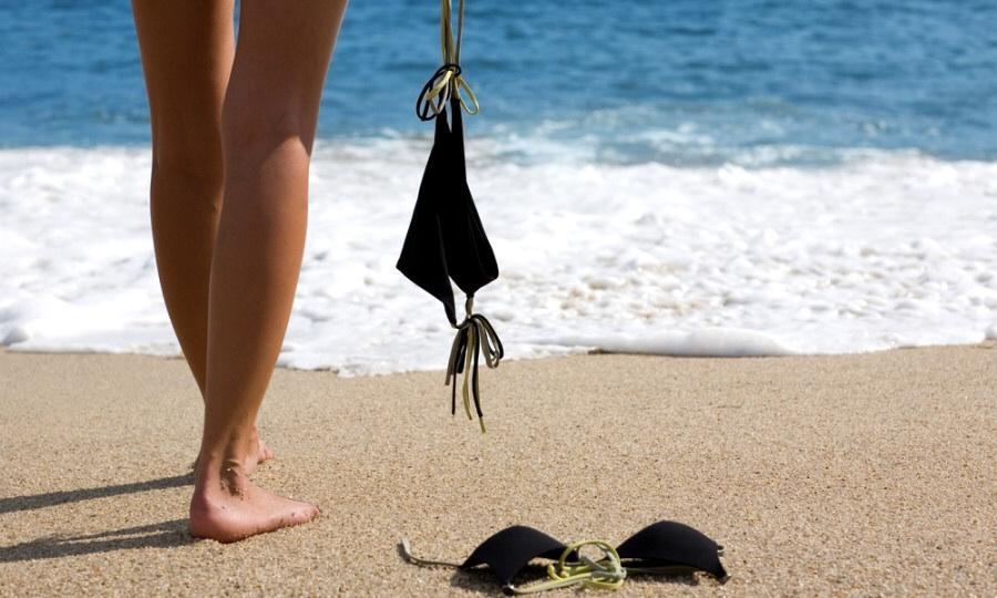 Wreck Beach in Vancouver …  a nude beach for an even tan !