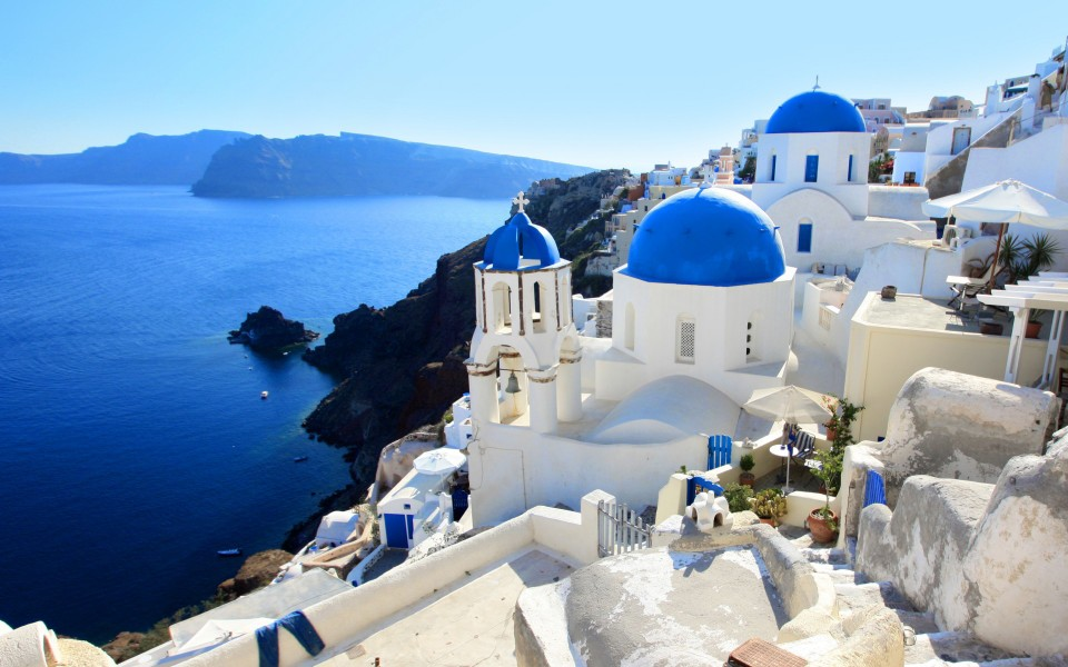 Travel destinations of a lifetime: Santorini (photo world-visits.com)