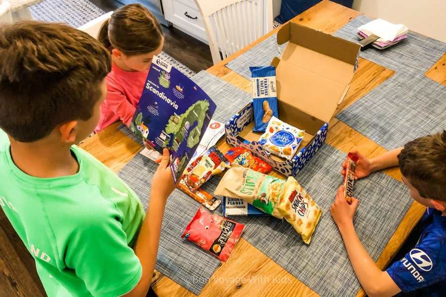 universal yums review - kids looking at box contents