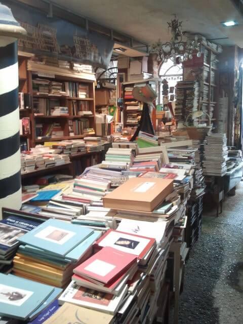 """book-tique LE """"MIE"""" LIBRERIE: la Libreria Acqua Alta a Venezia"""