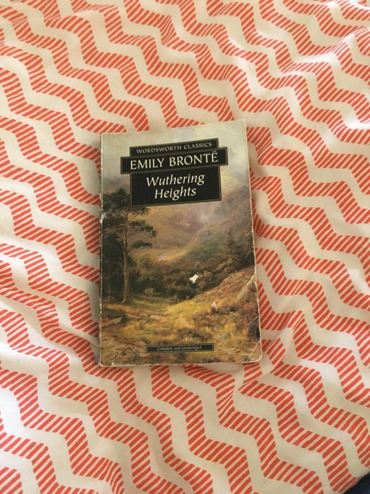 cime tempestose recensione libro Emily Brontë
