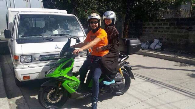 Hire scooter in Manila