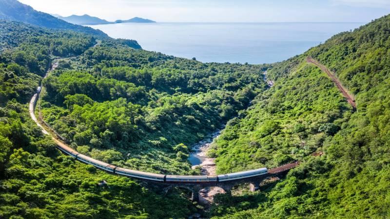 Hai Van Pass Train