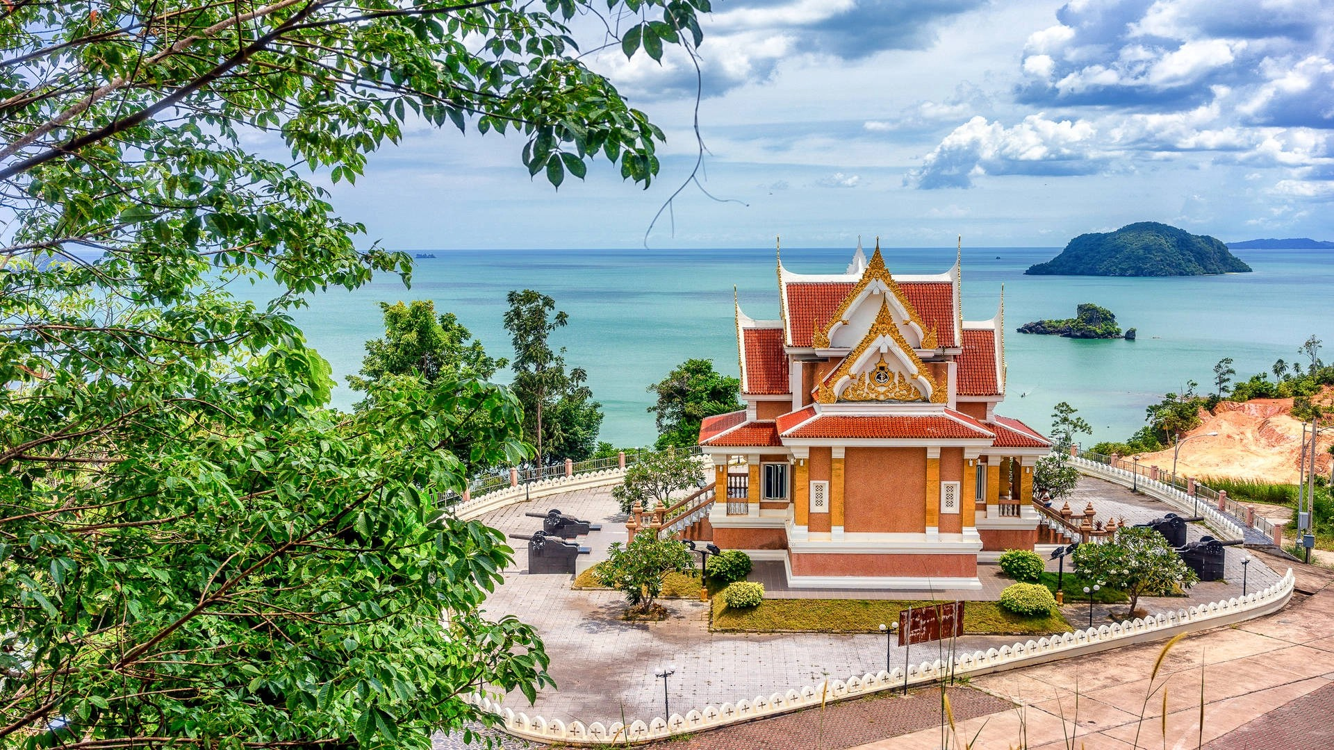 The treasures of little-known Chumphon