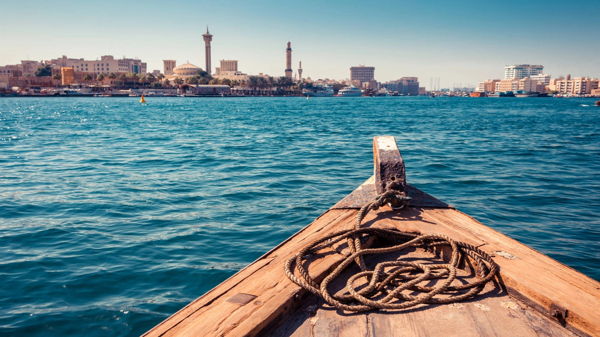 A guide to transportation in the United Arab Emirates