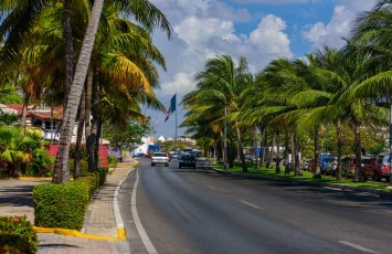 Cancun roads